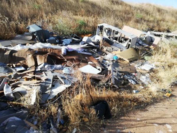Fauna de 'vertederos indomables' y residuos por doquier en zonas aledañas en Salamanca