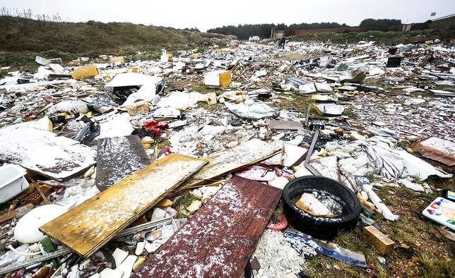 Burgos cada vez mas rodeada de vertederos ilegales e indomables - Vertederos